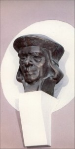 Stanislovas Rapolionis (skulpt. Konstantinas Bogdanas). Iliustr. iš kn.: Vilniaus universitetas dailėje. – Vilnius, 1986.