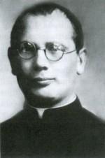 """1911 m. baigė Vilniaus kunigų seminariją. 1914 m. buvo įšventintas kunigu. 1915 m. teologijos magistro laipsniu baigė Petrapilio katalikų dvasinę akademiją ir buvo paskirtas Vilniaus Šv. Petro ir Povilo bažnyčios vikaru. Nuo 1924 m. iki mirties buvo tuo metu vienintelės Vilniuje lietuviškos Šv. Mikalojaus parapijos klebonu. Dirbo mokytoju lietuvių gimnazijose Vilniuje ir Švenčionyse, mokytojų seminarijose [2, 9]. 1924–1926 m. K. Čibiras buvo Laikinojo Vilniaus lietuvių komiteto vicepirmininkas. Dirbo Rytų Lietuvos lietuvių draugijose: """"Ryto"""", Labdarybės, Blaivybės jaunimo kuopose. Buvo """"Ryto"""" ir Labdarybės draugijų ilgametis pirmininkas [3, 4, 7]. Bendradarbiavo Vilniaus spaudoje, parašė knygas """"Doros objektyvumas"""" (1919), """"Dogmatika"""" (1922), """"Liturgika"""" (1922, 1936, 1947 m. Vokietijoje) [2, 7]. Žuvo 1942 m. kovo 23 d. sovietų kariuomenei bombarduojant Vilnių. Palaidotas Vilniaus Rasų kapinėse, netoli dr. Jono Basanavičiaus kapo. Antkapis pagamintas iš rusvo granito. Jį sudaro bordiūru apjuosta želdinių vieta ir ant postamento stovintis paminklas – dviejų tarpsnių obeliskas. Viršutinėje paminklo dalyje iškaltas kryžius; apatinėje – įrašas: """"Kun. Kristupas / Čibiras / teologijos magistras / šv. Mikalojaus / parapijos klebonas / 1888–1942"""" [5, p. 404]. Sovietmečiu norėta prie K. Čibiro kapo pastatyti paminklą – granitinę Šv. Kristupo (Kristoforo) skulptūrą, kurią 1948 m. sukūrė skulptorius Antanas Kmieliauskas. Tačiau nepavykus gauti leidimo, 1957–1959 m., tuometinio Šv. Mikalojaus parapijos Vilniuje klebono Česlovo Krivaičio lėšomis, skulptūra buvo pastatyta Vilniaus Šv. Mikalojaus bažnyčios šventoriuje. Skulptūra vaizduoja Vilniaus miesto globėją, per patvinusią upę nešantį vaikelį [7, p. 208, 265]. Paminklas skiriamas K. Čibiro atminimui ir visų, kurie gelbėjo lietuvišką Vilnių [10]. Apie kunigą K. Čibirą parašyto atskiro leidinio kol kas nėra. Apie K. Čibiro gyvenimą ir veiklą rašoma Povilo Čibiro knygoje """"Prancisiaus ir Nastės Čibirų šeimos atsiminimai, poezija, """